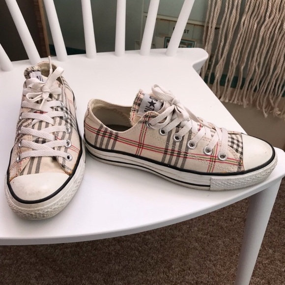 c183902772b72a Converse Shoes - Burberry look a like